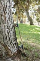 Come tagliare un albero che è Pendente