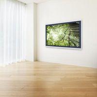 Come installare una presa elettrica per un muro TV a schermo piatto