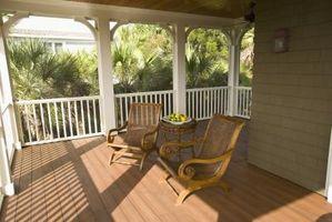 Che tipo di vernice devo usare per un esterno di legno piano portico?