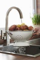 Come ottenere le macchie fuori di un rubinetto nichel satinato