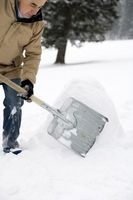 Come ottenere pesante ghiaccio fuori di una strada privata