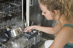 Come ottenere le macchie acqua al largo di bicchieri in lavastoviglie