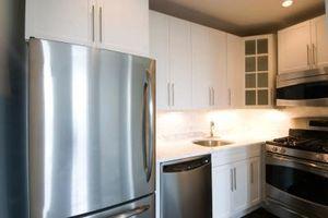 Idee per mobili da cucina con elettrodomestici in acciaio inossidabile
