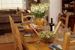 Come fare il mio pranzo Mobili ottenere una tonalità scura di legno?