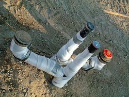 Come riparare un tubo di scarico sotto una lastra