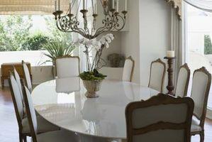 L'altezza di una luce su un tavolo da pranzo
