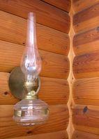 Come rimuovere la fuliggine proveniente da una lampada Chimney olio