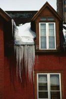 Soluzione temporanea per una diga di ghiaccio su un tetto