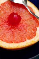 Albero che produce tre diversi tipi di frutta