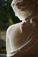 Come Age & sigillare una statua di cemento