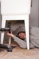 Come installare un tubo di fogna Clean Out