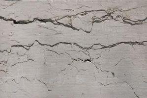 Modo più semplice per la riparazione del muro a secco Cracked