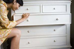 Come aggiungere cassetti sotto un letto MALM
