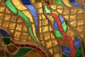 Come installare mosaico di vetro su una parete della cucina