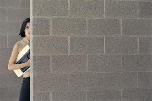 Come rimuovere Blocco di cemento pareti in un seminterrato