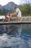 Come misurare la quantità di acqua in una piscina