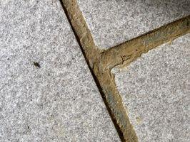 Come rimuovere stucco dalla Tile installata