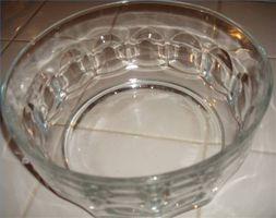 Come pulire una ciotola di vetro