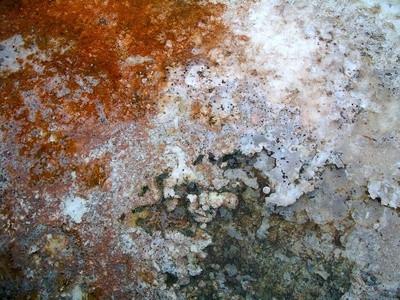 Come pulire depositi di minerali via con acido muriatico