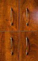 Come pulire le maniglie Tarnished Cupboard
