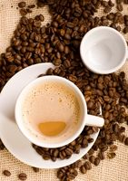 Come rimuovere residui oleosi da macchine per il caffè