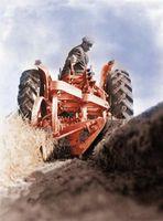 Come costruire un trattore Aratro