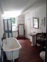 Come Refinish una vasca da bagno & Tile
