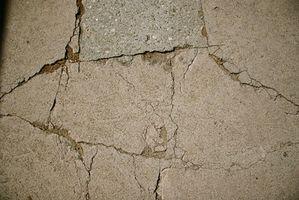 Quali sono le cause di incrinate muri della cantina?