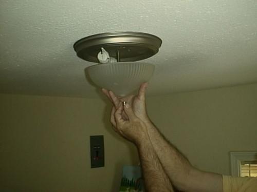 Come cambiare lampadine