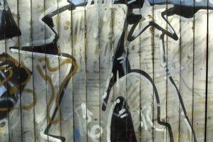 La rimozione dei graffiti Da Legno