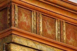 Come rimuovere muffa su legno antico
