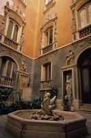 Come creare un stile spagnolo Courtyard Area su un bilancio