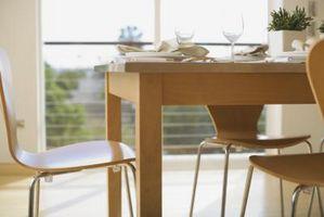 Come riparare i danni d'acqua su una tavola di legno