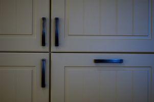 Come sostituire Gabinetto cerniere della porta