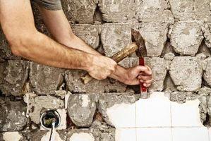 Come rimuovere Tile Backsplash senza danneggiare muro a secco