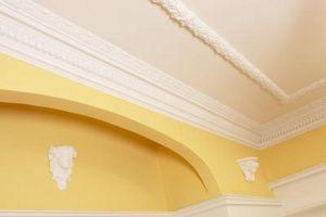 Come fare una stanza sembrare più grande per dipingere il soffitto
