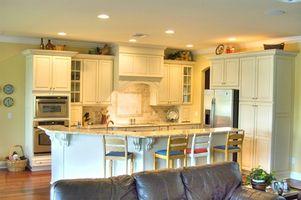 Come installare armadi parete della cucina di sopra di un intervallo stufa