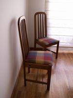 Come Retie Springs in una vecchia sedia sala da pranzo