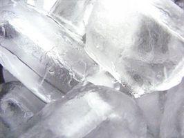 Come ottenere il gusto di plastica fuori dalla mia cubi di ghiaccio Macchina