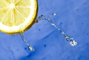 Come usare l'aceto per disinfettare