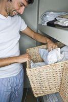 Come organizzare i vostri vestiti piccolo armadio