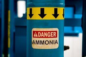 Come Mix sicuro ammoniaca per la pulizia