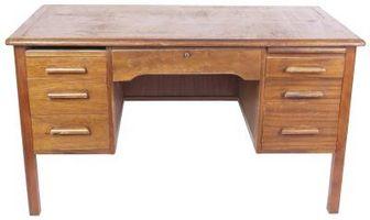 È possibile utilizzare una vecchia scrivania come Vanity?