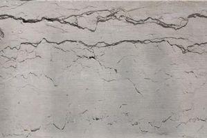 Come riparare fessure stucco prima della verniciatura