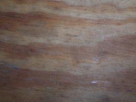 Come pulire legno grezzo prima della colorazione