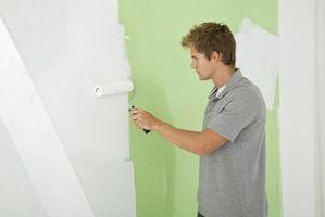 Ottenere linee di verniciatura Crisp tra la parete e soffitto