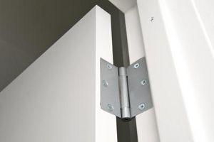 Come sostituire incasso cerniere della porta