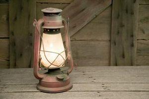 Come trasformare una vecchia lanterna in una lampada da tavolo