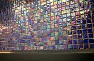 Come rimuovere la protezione di carta dal mosaico Piastrelle