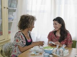 Come rimuovere depilatoria Cera Da una sala da pranzo tavolo
